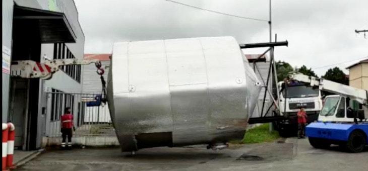 Desconexión y desmontaje de máquinas para un traslado de maquinaria en Oleofat Trader